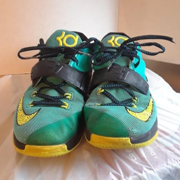 c491492ff970 Nike Kd Vll Boy s Shoe s size 7y. M 5a57963361ca10f2fc01a6c1